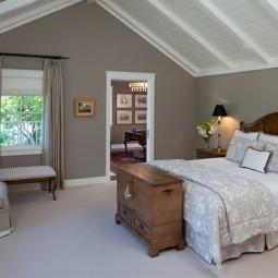 Einrichtungsideen landhaus schlafzimmer dachschraege bett kommode.jpg