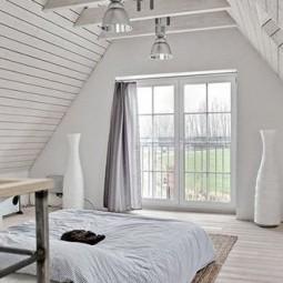 Kleines schlafzimmer ideen fuer gemuetliches schlafzimmer design mit dachschraege aus holz e1434371371935 588x330.jpg