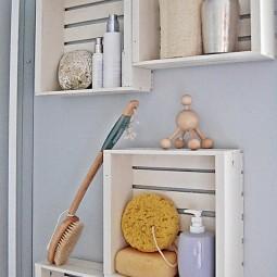 Kreative wandgestaltung badezimmer mit diy badezimmerregalen aus paletten e1439890194443.jpg