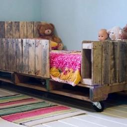 Wood pallets kids bed.jpg