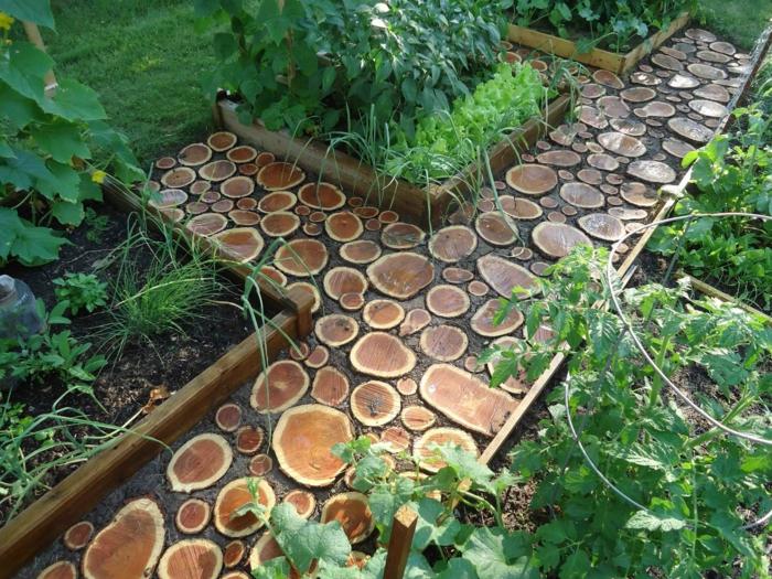 Gartenideen gartenweg ausgefallen holz 1.jpg