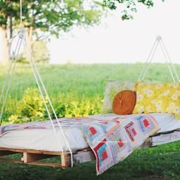Pallet swing bed.jpg