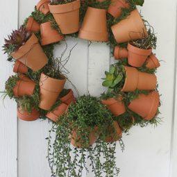 Clay pot wreath 001.jpg