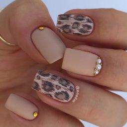 Leopard printed nails cougar design.jpg
