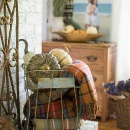 Fall mantel ideas 15.jpg