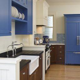 54ff96d7d350e blue cabinets de.jpg