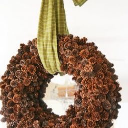 Creative pinecone fall decorations youll love 26.jpg