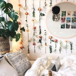 Hanging flower wall cute dorm rooms.jpg