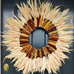 Indian corn wreath diy this is a gorgeous wreath and so so easy to make stonegableblog.com_ e1412719204491.jpg