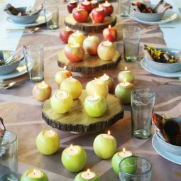 Welcoming fall table decorating ideas 03 1 kindesign.jpg
