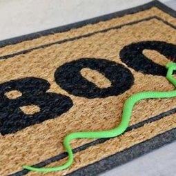 16 easy but awesome homemade halloween decorations door mat.jpg