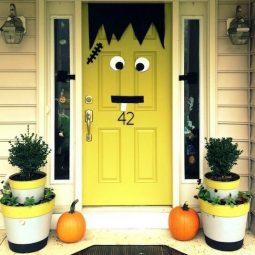 16 easy but awesome homemade halloween decorations frankenstein door.jpg