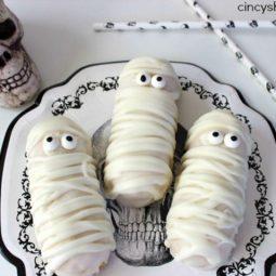 Halloween twinkie mummies recipe 4.jpg