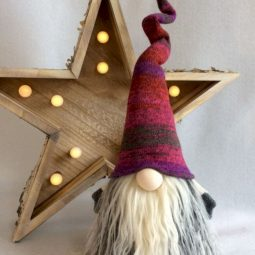 01 beautiful scandinavian christmas decor ideas.jpg