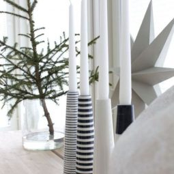 04 beautiful scandinavian christmas decor ideas.jpg