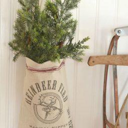 Stunning christmas decor ideas with farmhouse style for living room 14.jpg