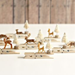 Reindeer clothespin ornaments.4 1024x683.jpg