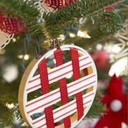 Embroidery hoop ornament.jpg