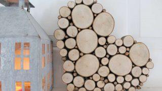 Wood slice heart valentine mantel 4 1024x682.jpg