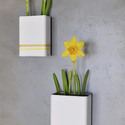 Delineate your dwelling diy magnetic daffodil planter.jpg